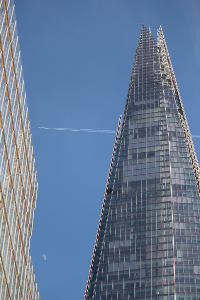 The_Shard_The_Moon_A_Jet